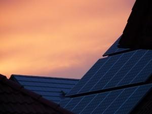 como ahorrar luz - placas solares